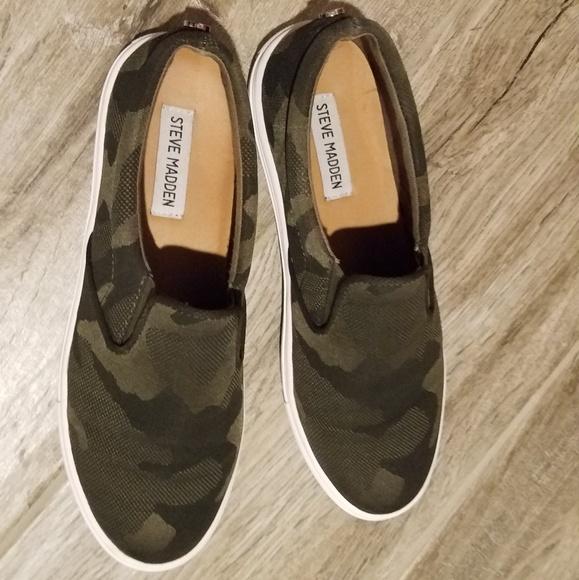507f8ab083b Womens Steve Madden camo slip on sneakers. M 5bac001445c8b38150b29a6e